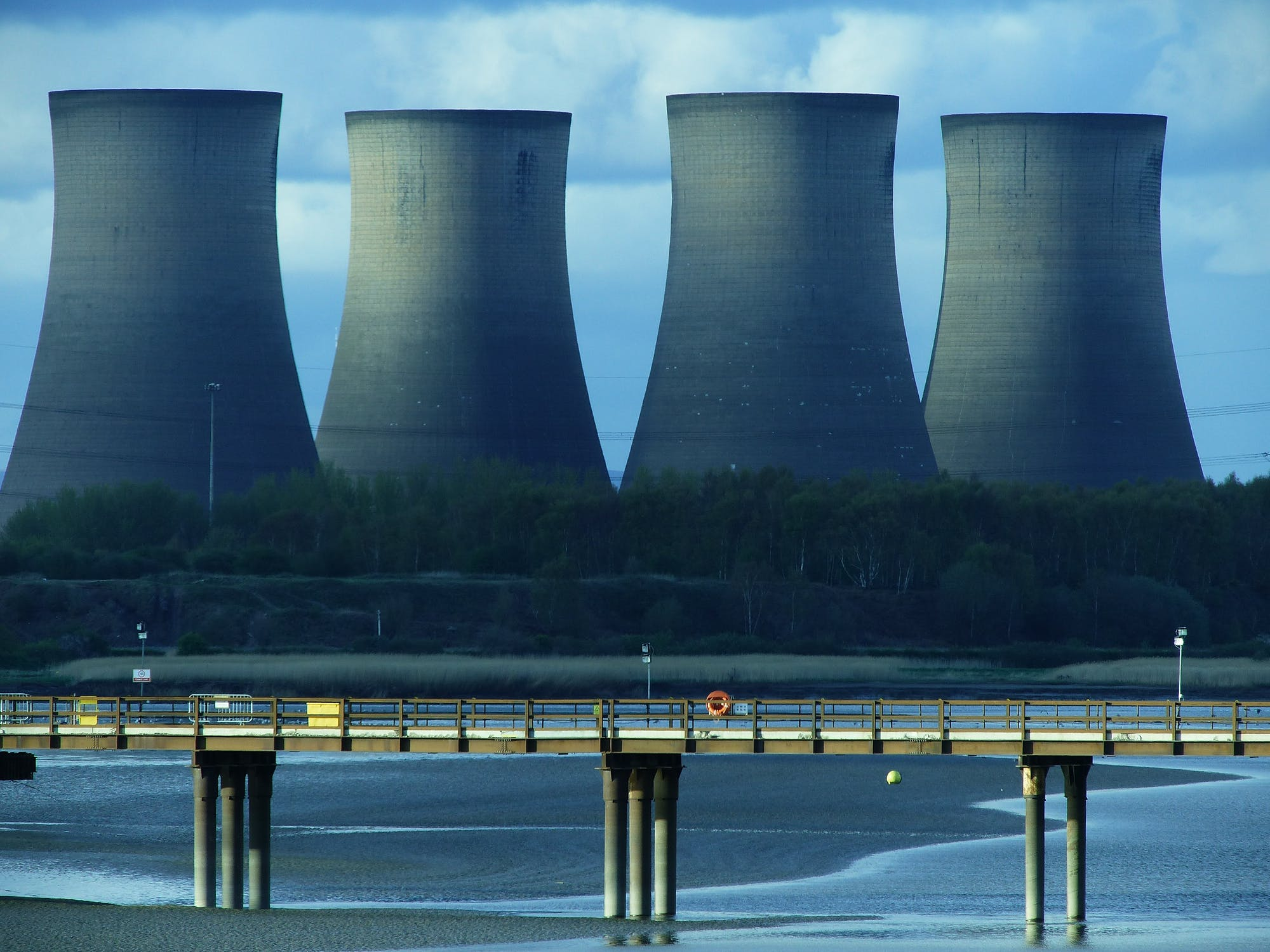 cooling-tower-power-plant-energy-industry-162646.jpeg